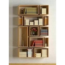 Biblioteca  din lemn din corpuri de diverse dimensiuni